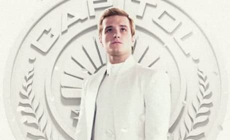 Mockingjay: Peeta and Johanna Living Portraits Revealed