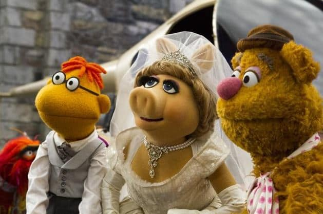 Muppets Most Wanted Miss Piggy Fozzie Walter