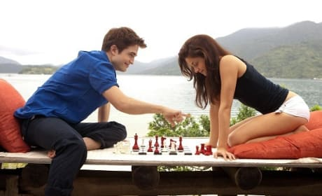 Breaking Dawn Continues to Draw Blood at the Box Office