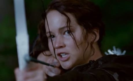 The Hunger Games: Two Jennifer Lawrence Photos as Katniss