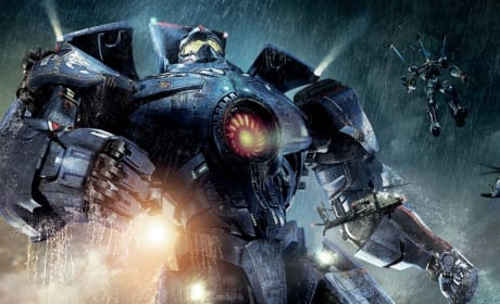 "Pacific Rim 2: Guillermo del Toro Explores ""The Drift"""