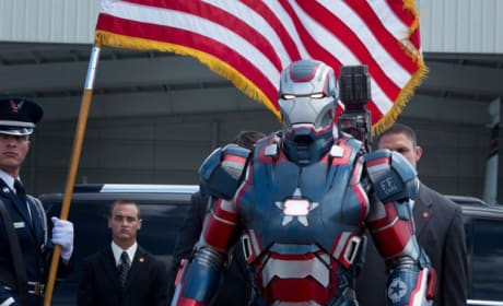 Iron Man 3 Gets New Stills: A Sneak Peak at All the Suits