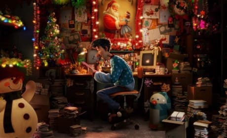 Justin Bieber Sings for Arthur Christmas