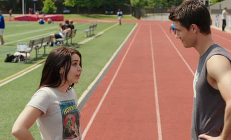 The DUFF Robbie Amell Mae Whitman Still