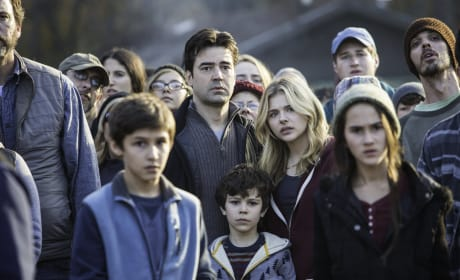 The Crowd Watches - The 5th Wave