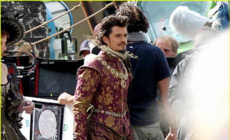 Orlando Bloom with a Pompadour!