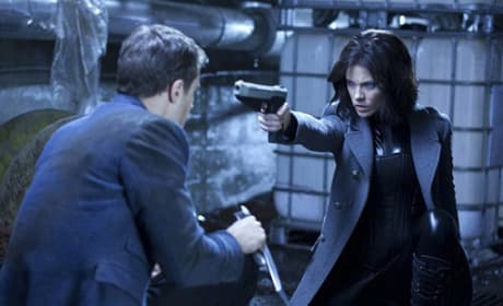 Underworld Awakening: Kate Beckinsale Fires Away in Four New Photos!