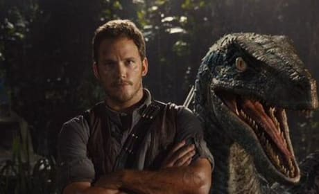 Jurassic World Photo: Meet Chris Pratt's Vicious Friend