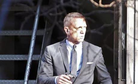 Daniel Craig on the James Bond Set