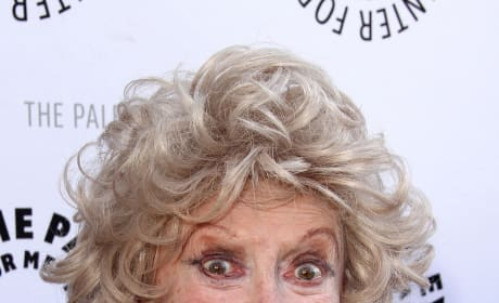 Phyllis Diller Dies at Age 95