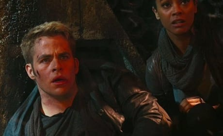 Zoe Saldana Chris Pine Star Trek Into Darkness