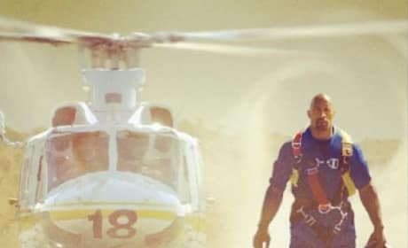 San Andreas First Photo: Dwayne Johnson Survives Earthquake