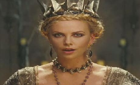 Snow White and the Huntsman Trailer: Kristen Stewart's Action Heroine