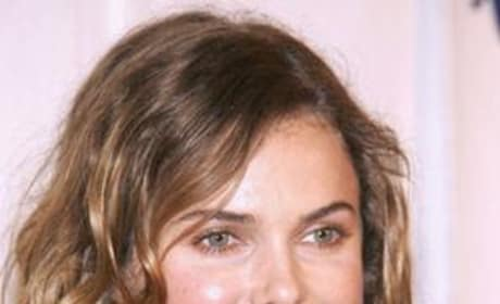 Keri Russell Set to Tell Bedtime Stories
