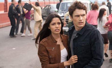 Freida Pinto and James Franco in Rise of the Planet of the Apes