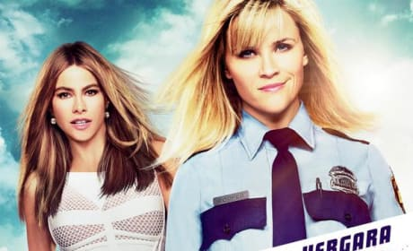Hot Pursuit Poster: Reese Witherspoon Is Armed & Sort of Dangerous