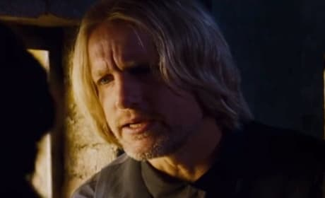 Catching Fire Clip: Katniss Asks Haymitch For Help