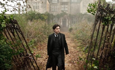 Daniel Radcliffe Stars in New Still from The Woman in Black