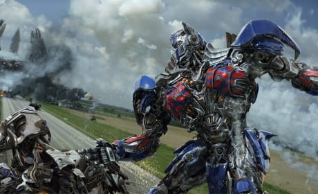 Transformers Age of Extinction Photos: Nine Action Packed Pics!