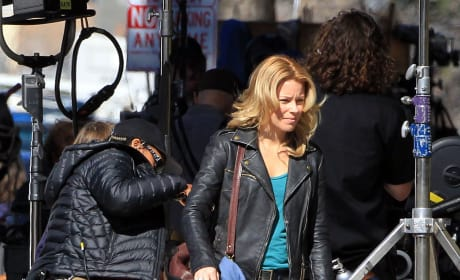 Tough Girl Elizabeth Banks Films Welcome to People