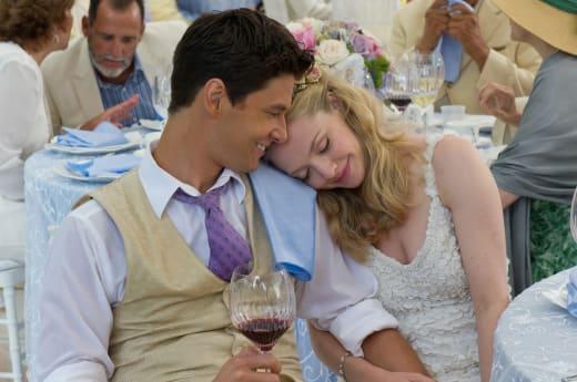 Amanda Seyfried Ben Barnes The Big Wedding