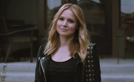 Veronica Mars: Watch First Two Minutes!