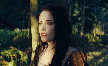 Snow White and the Huntsman Features Kristen Stewart