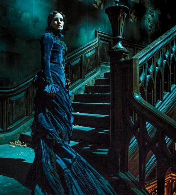 Jessica Chastain Takes the Stairs