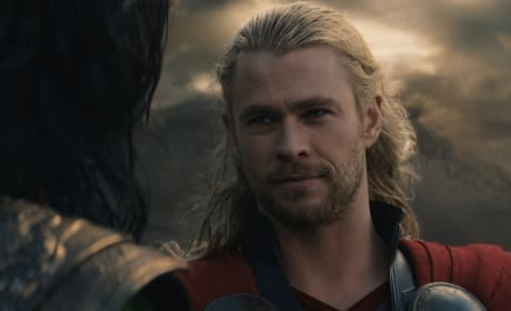 Thor: The Dark World Chris Hemsworth Photo