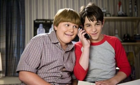 Zachary Gordon and Robert Capron in Diary of a Wimpy Kid: Dog Days