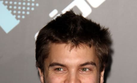 Emile Hirsch Signs on to Navy SEAL Movie Lone Survivor