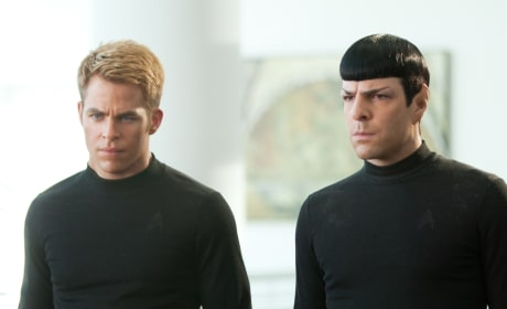 Chris Pine Zachary Quinto in Star Trek Into Darkness