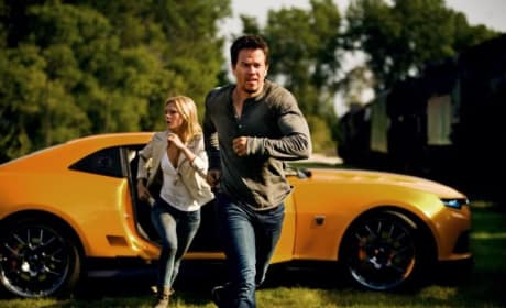 Transformers Age of Extinction Stills: Mark Wahlberg's Ready for Action