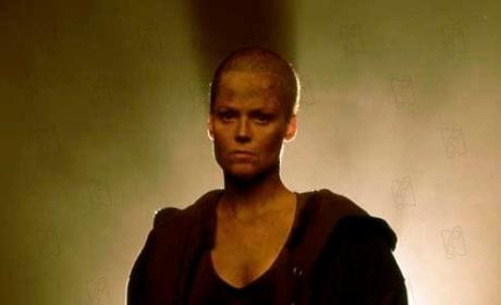Sigourney Weaver Considers Aliens 5
