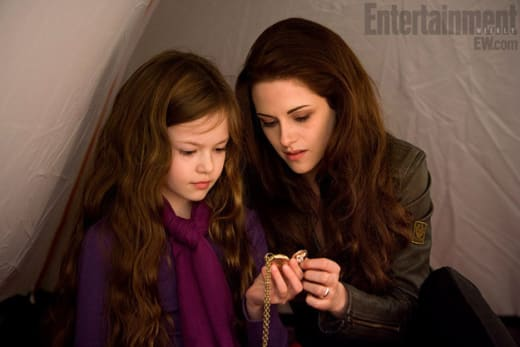 Kristen Stewart and Mackenzie Foy Breaking Dawn Part 2