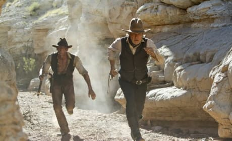 Cowboys and Aliens Ties Smurfs for Box Office Title