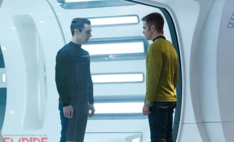 Benedict Cumberbatch Chris Pine Star Trek Into Darkness