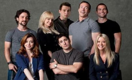 Go Behind the Scenes with American Reunion: The Pie Posse's Back Together