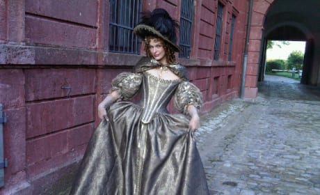 Milla Jovovich Loves Her Three Musketeers Costume