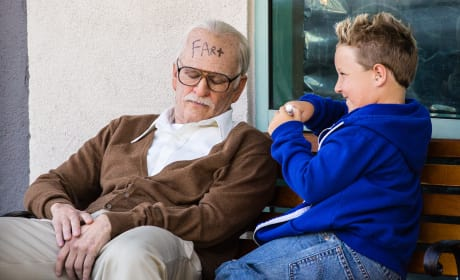 Bad Grandpa Review: Johnny Knoxville Stays Fresh