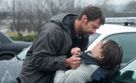 Prisoners Review: Hugh Jackman & Jake Gyllenhaal Give Their Best