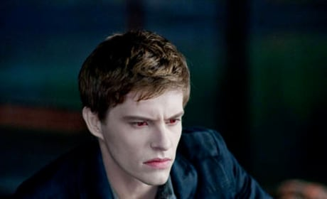 Xavier Samuel as Riley
