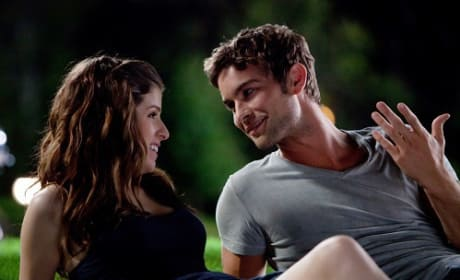 Chace Crawford and Anna Kendrick in What To Expect When You're Expecting
