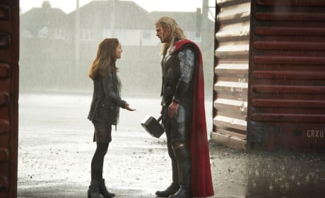 Chris Hemsworth Natalie Portman Thor The Dark World