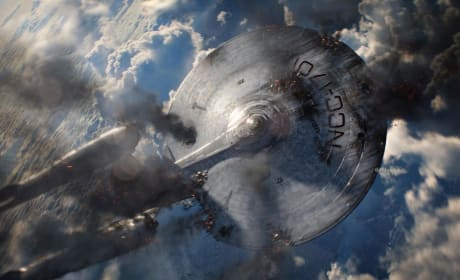 Star Trek Into Darkness 3D Trailer: Outnumbered and Outgunned