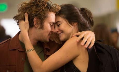 White Bird in a Blizzard Shailene Woodley Shiloh Fernandez