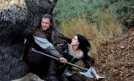Snow White and the Huntsman: Images of Chris Hemsworth, Kristen Stewart