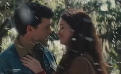 Beautiful Creatures Featurette: Open a Door into a New World