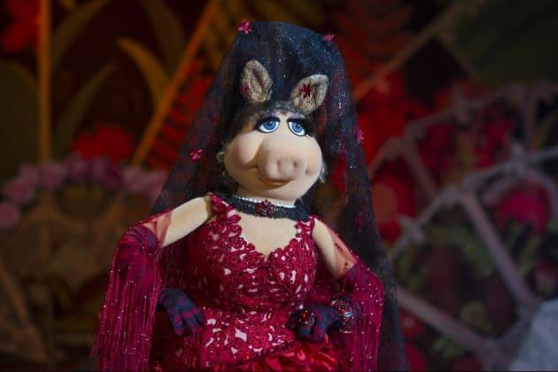Muppets Most Wanted Miss Piggy Still