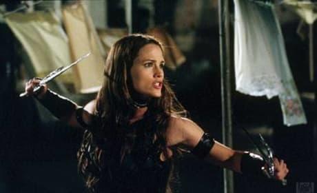 Elektra in stance